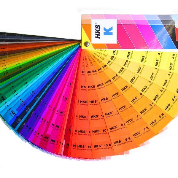 In all diesen Farben können wir euren Hendlstall lackieren.