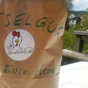 Kieselerde oder Kieselgur für die Geflügelhaltung.