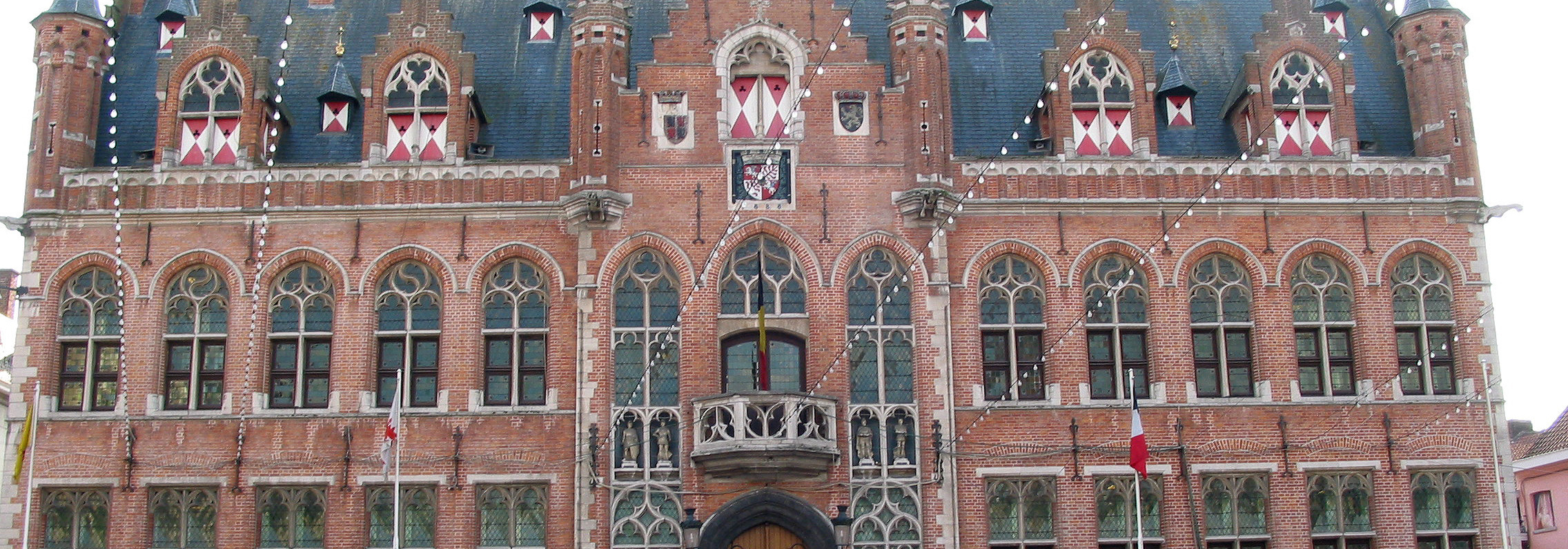 Rathaus in Mouscron, Quelle Wikimedia: https://de.wikipedia.org/wiki/Mouscron